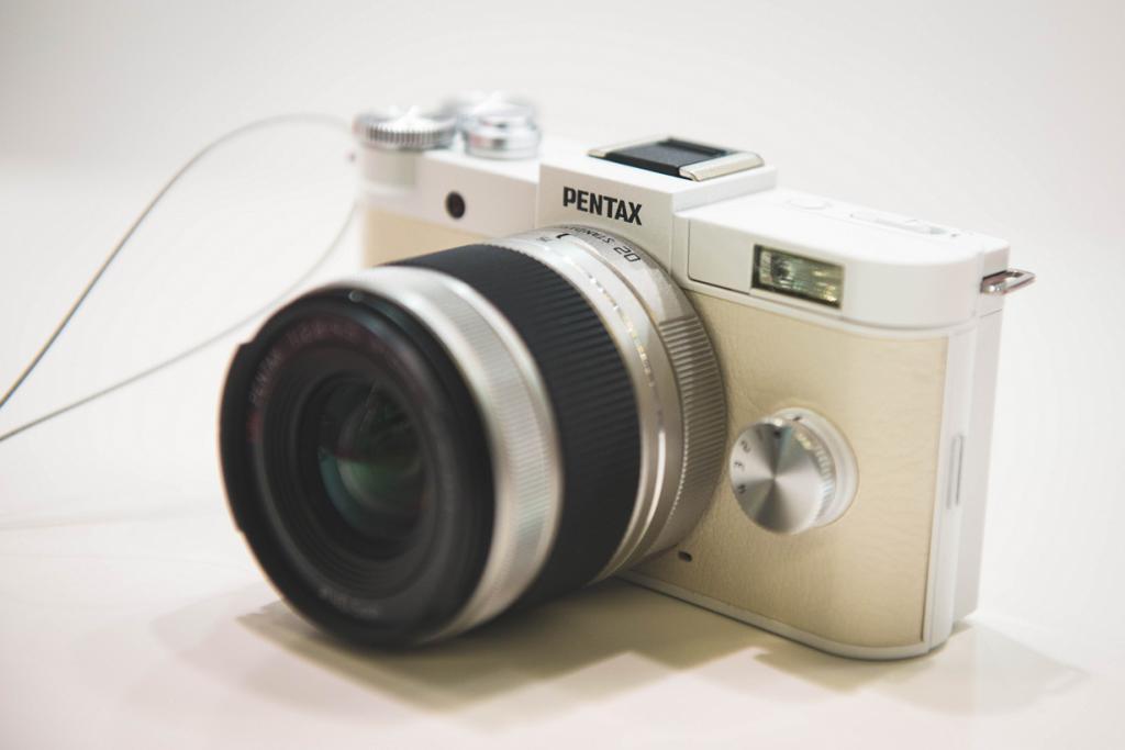 Германия. Кёльн. Камера Pentax QS на выставке Photokina 2014. (Ben Fredericson)