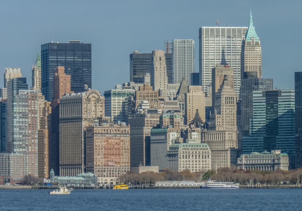 6 место. Трамп-билдинг (справа) — небоскрёб в 70 этажей. (Karl Davison)