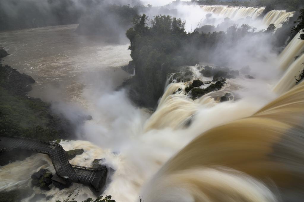 Расположена на границе между Аргентиной и Бразилией. (travelwayoflife)