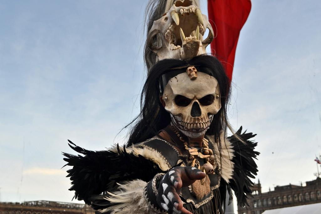 8 место. День Мёртвых. Отмечается ежегодно 1 и 2 ноября в Гватемале, Гондурасе, Мексике и Сальвадоре. Праздник посвящён памяти умерших. По традиции устраивается красочный карнавал в костюмах мертвецов. (Alex Torres)