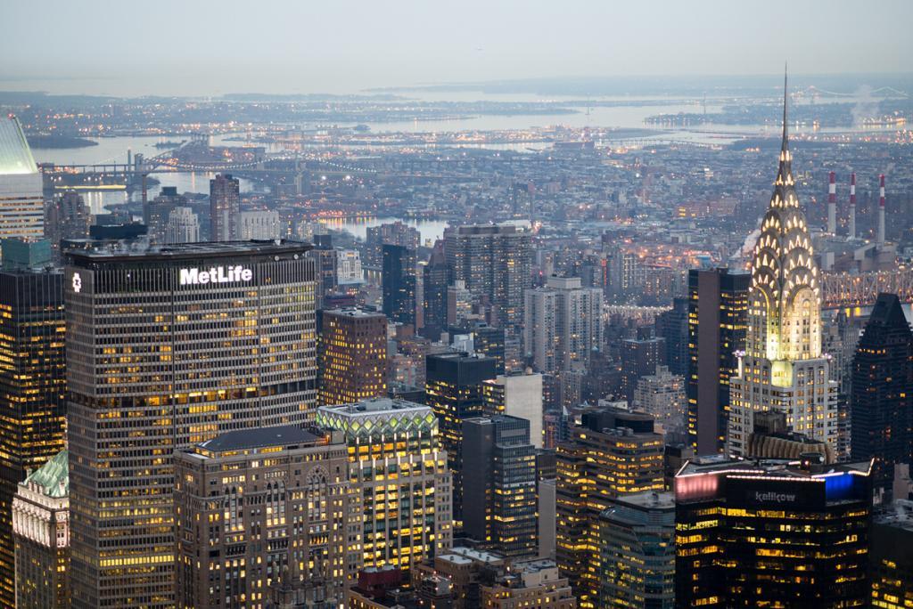 3 место. Крайслер-билдинг (справа) — небоскрёб в 77 этажей. (Steve Harris)