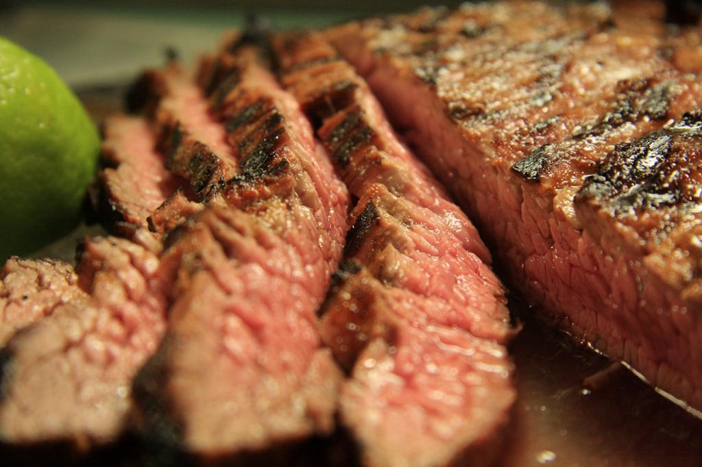 Барбекю. Австралийцы не мыслят своего существования без жареного мяса. Его употребляют как в обычные дни, так и на праздники. (Mike)