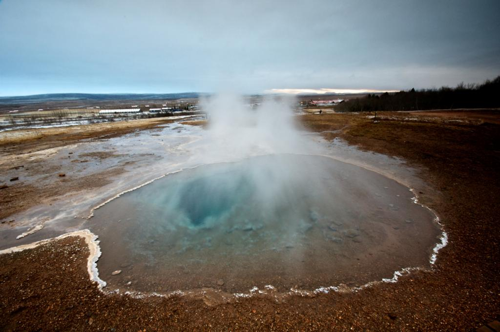Исландия. Долина Хаукадалур. Озеро Блези. (Mark Turner)