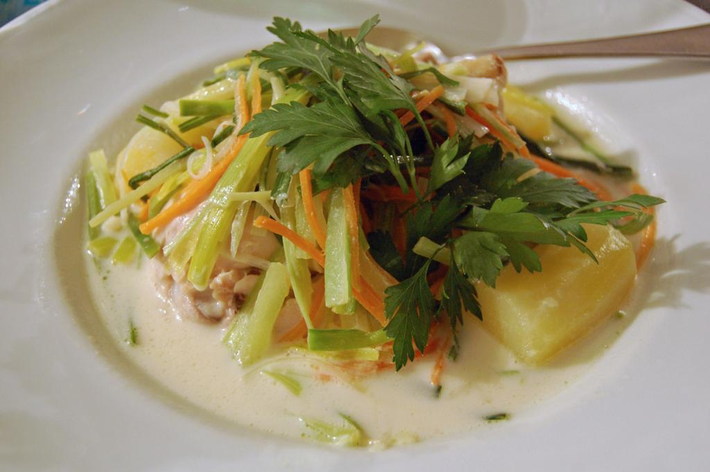 Ватерзой — похлёбка на основе куриного или рыбного бульона с овощами. Блюдо родом из Фландрии. (su-lin)