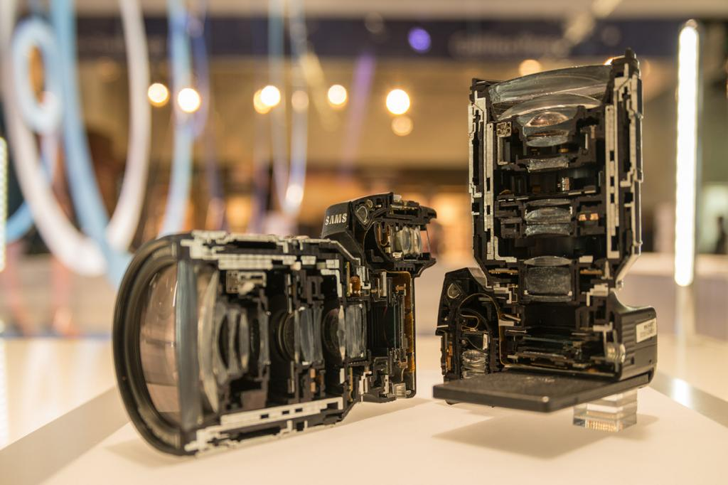 Германия. Кёльн. Стенд Samsung на выставке Photokina 2014. (ferrie=differentieel & Jöran Maaswinkel DailyM)