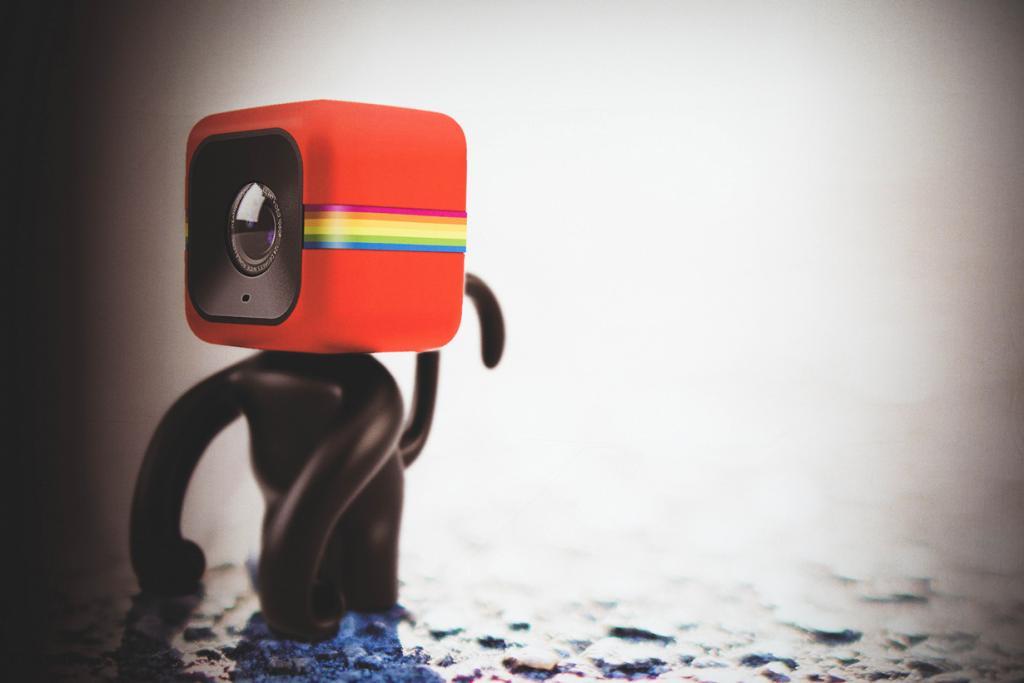 Германия. Кёльн. Камера Polaroid Cube на выставке Photokina 2014. (Ben Fredericson)