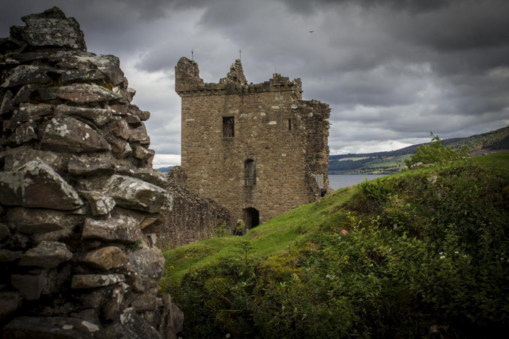 Шотландия. Лох-Несс. Замок Аркарт. (Chris)