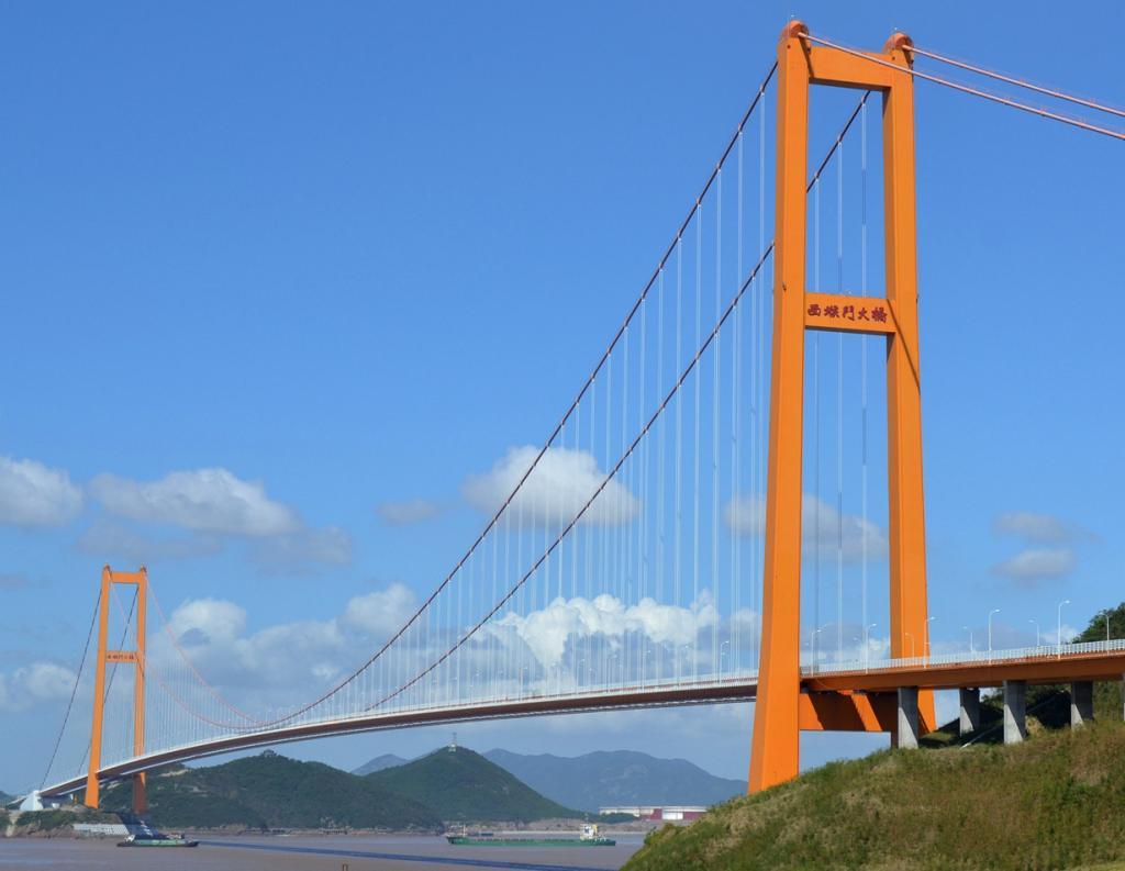 Китай. Мост Сихоумэнь. Основной пролёт — 1 650 м. (Glabb)