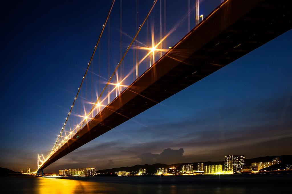 Китай. Гонконг. Мост Цинма. Основной пролёт — 1 377 м. (流璃)