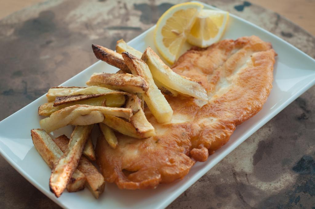 Рыба и чипсы. (Michelle Lee)