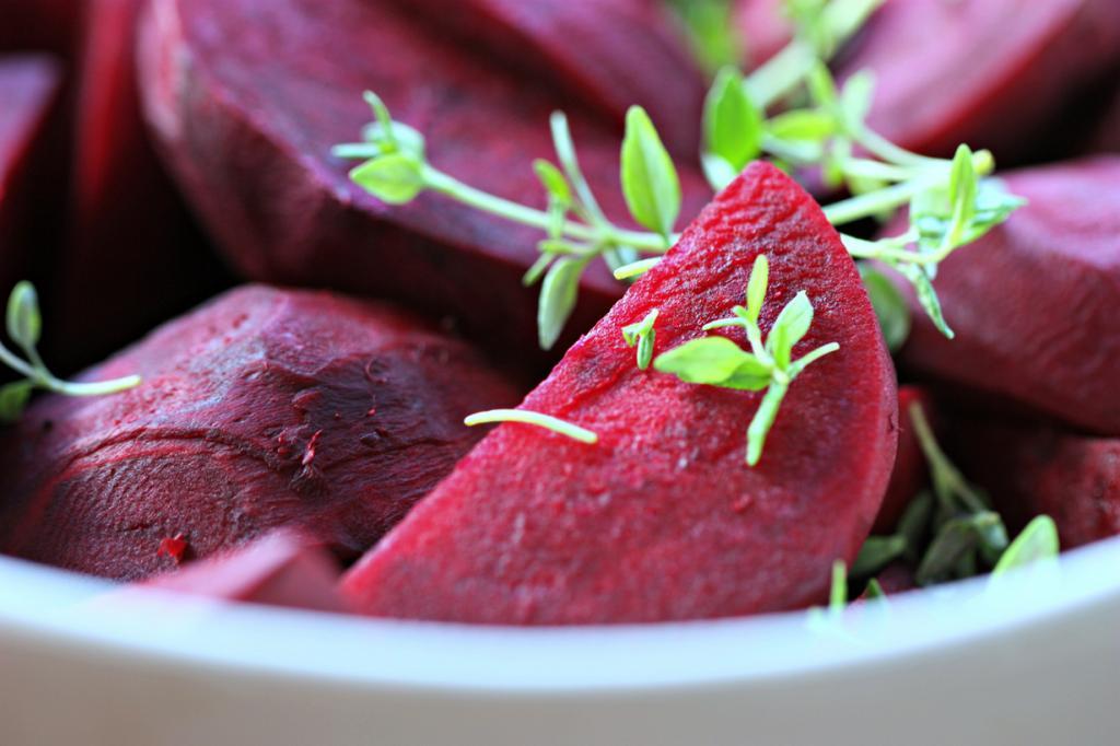 Свёкла. Корнеплод содержит витамины В, PP, а также железо, йод, калий, кальций, магний. (rosipaw)