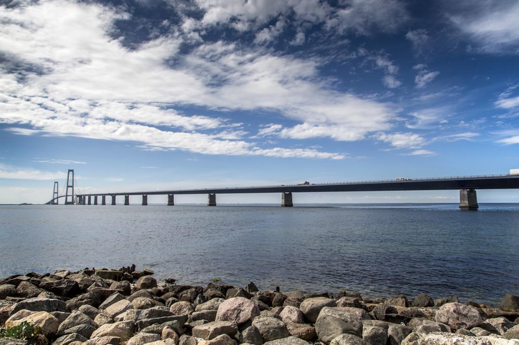 Дания. Мост Большой Бельт. Основной пролёт — 1 624 м. (News Oresund)
