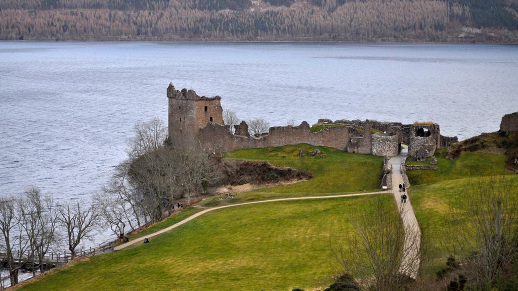 Шотландия. Лох-Несс. Замок Аркарт. (David McKelvey)