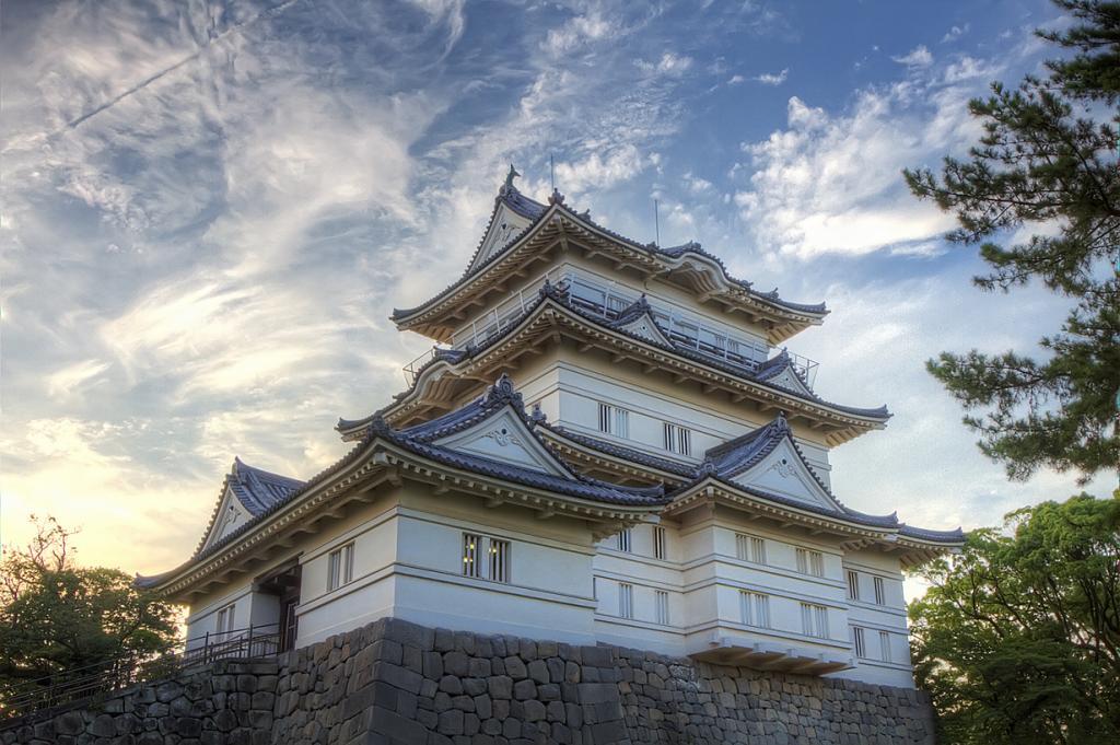 Япония. Одавара. Замок Одавара. Был построен в 1418 году; реконструирован в 1960 году. (Agustin Rafael Reyes)