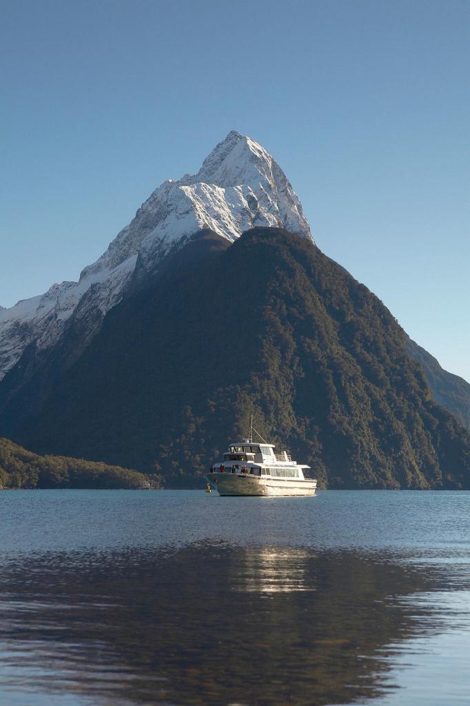 Новая Зеландия. Южный остров. Фьорд Милфорд-Саунд. (Kiwi Discovery Queenstown)