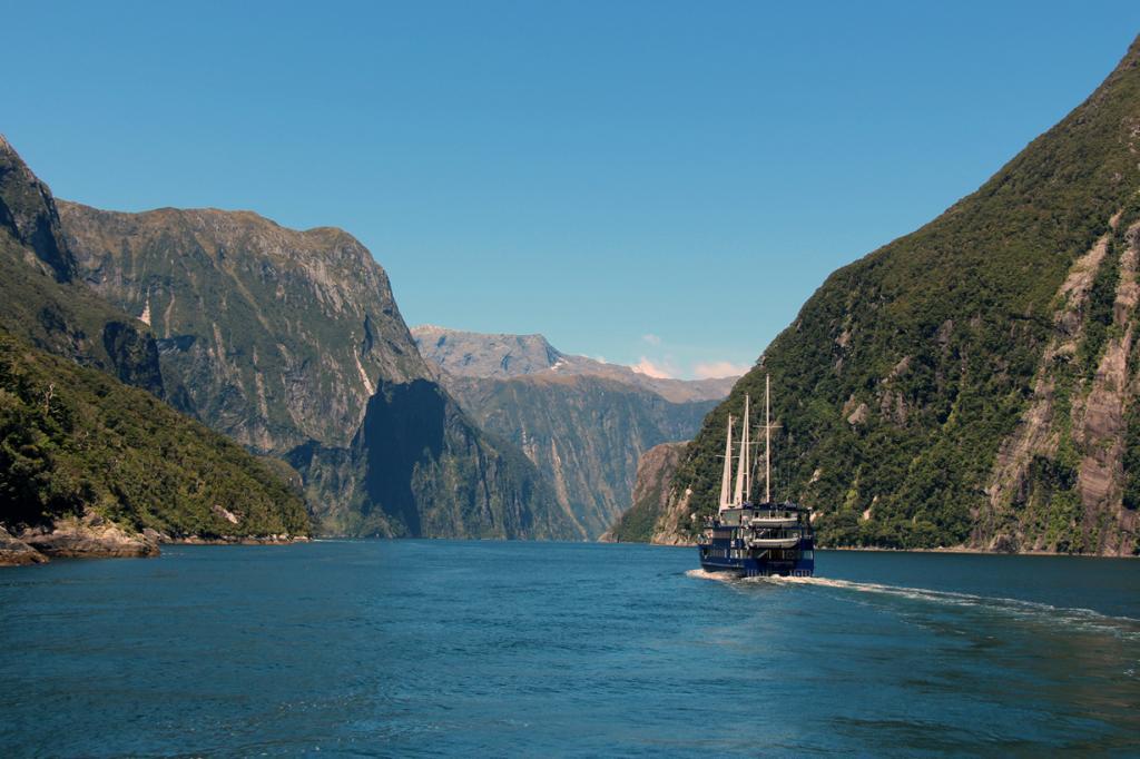 Новая Зеландия. Южный остров. Фьорд Милфорд-Саунд. (karlnorling)