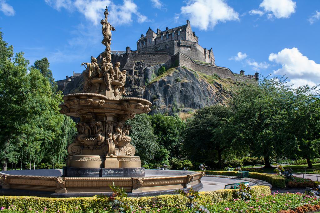 Шотландия. Эдинбург. Эдинбургский замок. (Simon Q)