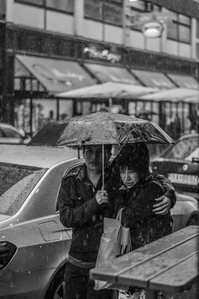 Под зонтом. (Valentin Gehmacher)