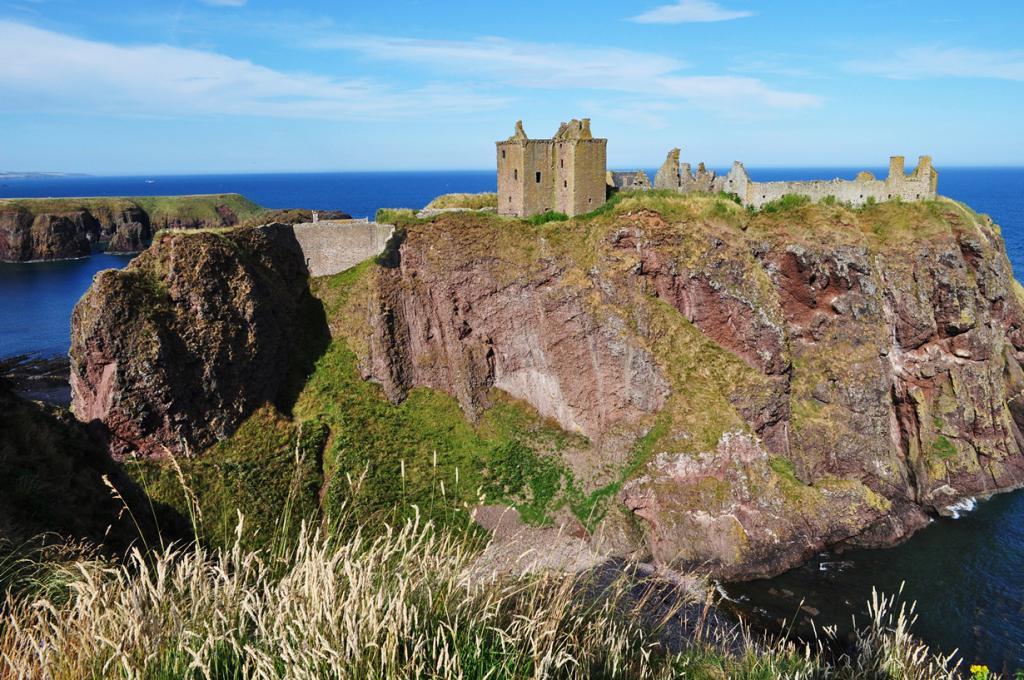 Стонхейвен. Шотландия. Замок Данноттар. (Bernard Blanc)