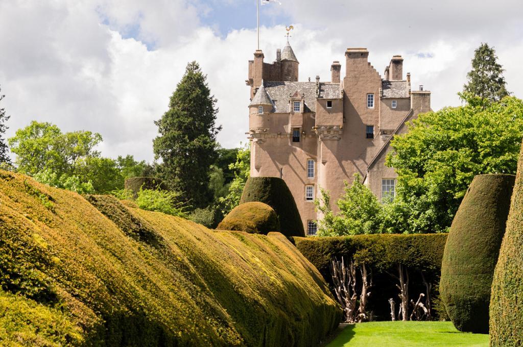 Шотландия. Замок Крейтс. (Les Dunford)