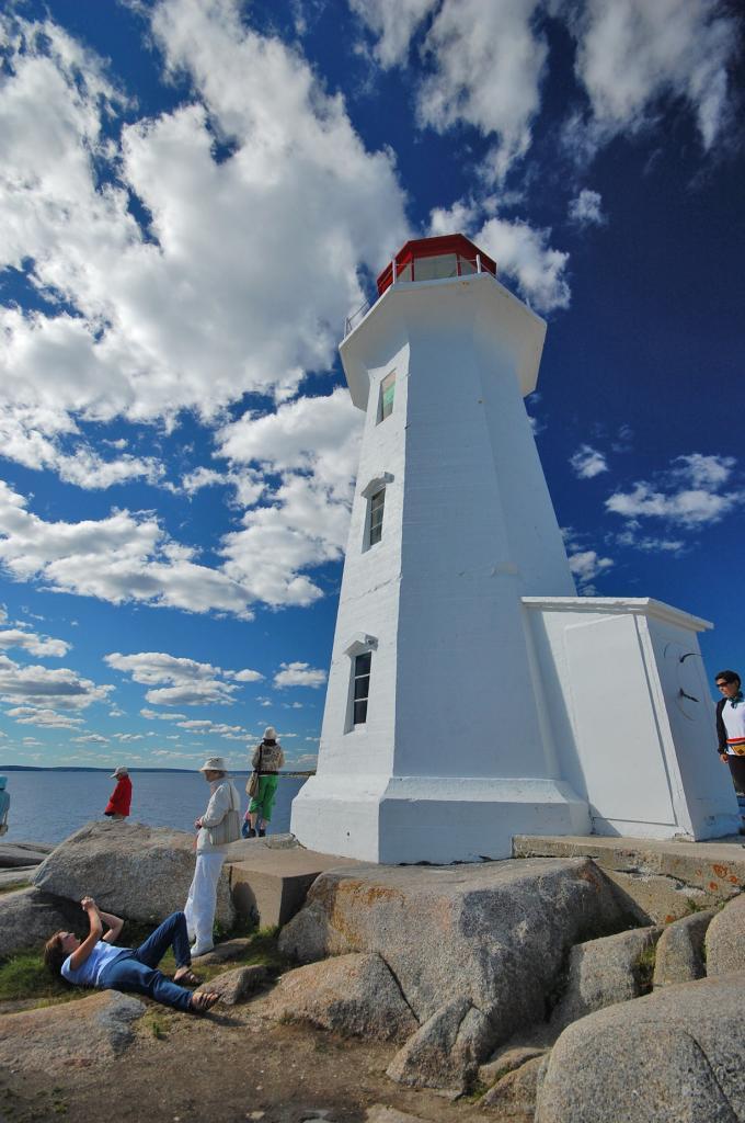 7 место. Канада. Новая Шотландия. Маяк Пеггис-Поинт. (arch2452)