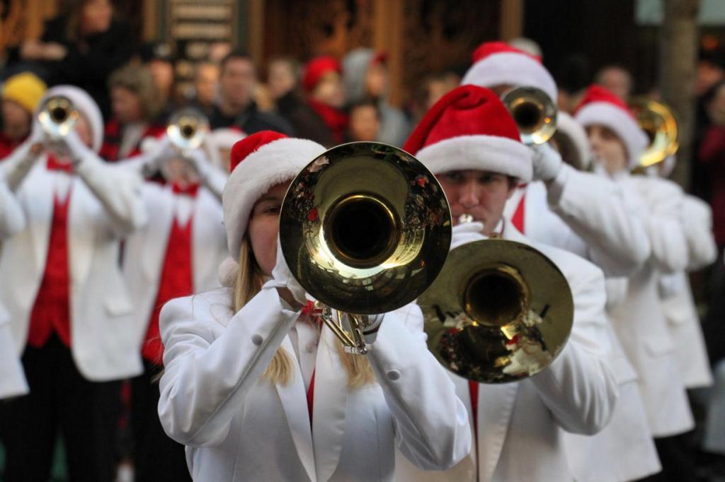 Во время парада в честь Дня благодарения. (VMR@chicago)