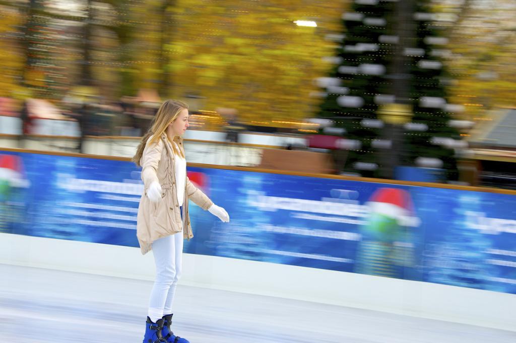 Катание на коньках. (Jamie In Bytown)