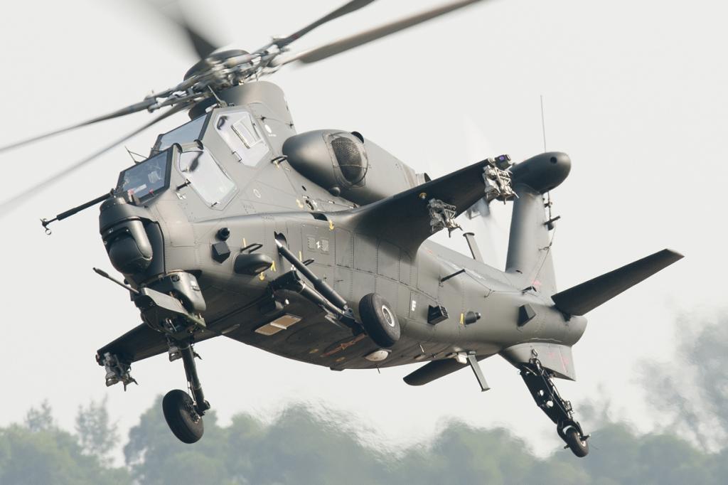 Вертолёт CAIC WZ-10 — китайский вертолёт, в разработки которого участвовали россияне. Предназначен для военных операций. Главное его преимущество — тандемная кабина. (Peng Chen)