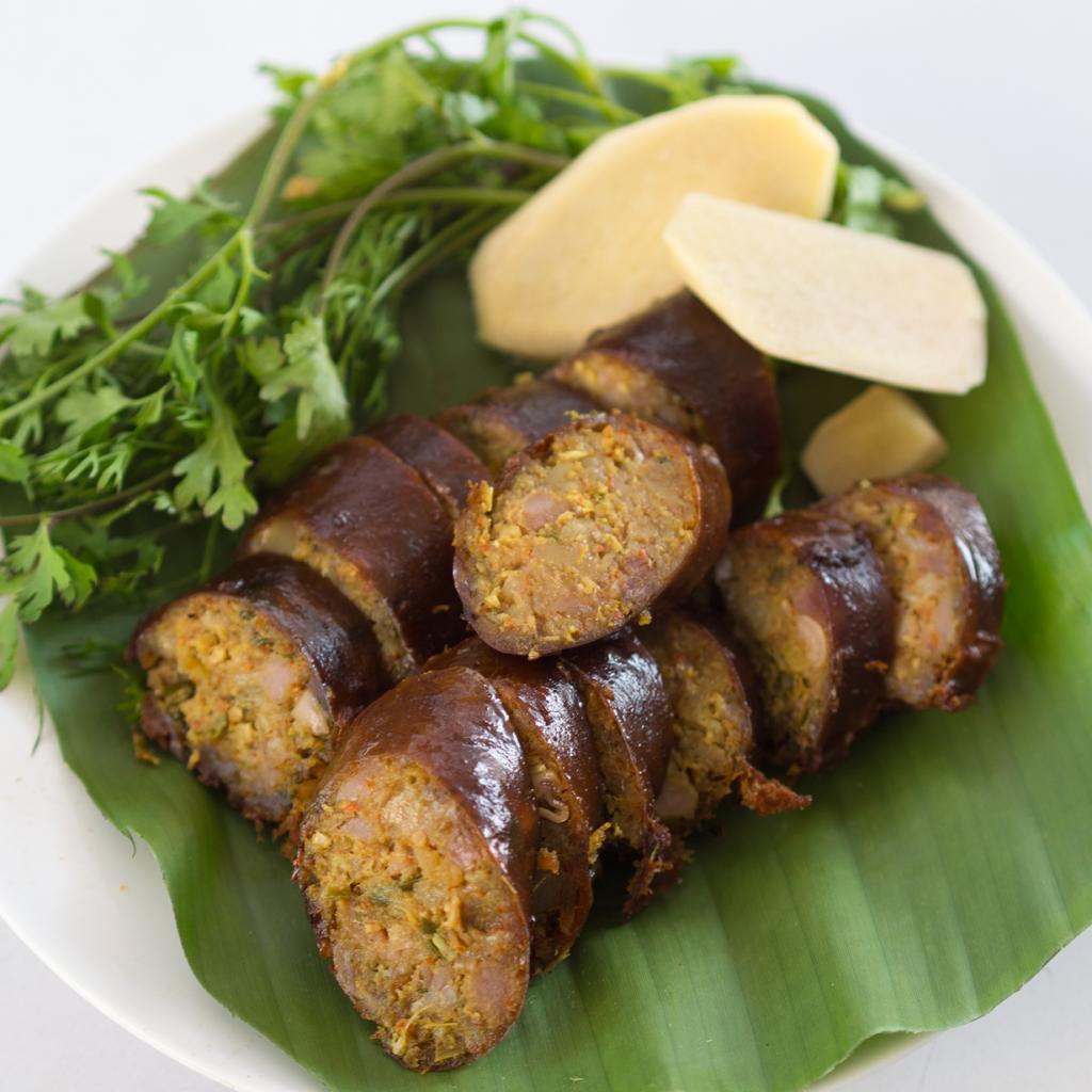 Колбаса из свиного фарша с травами. Подается в жаренном виде. (Takeaway)