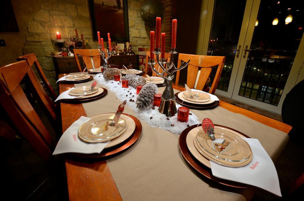 Рождественский стол. (brent flanders)