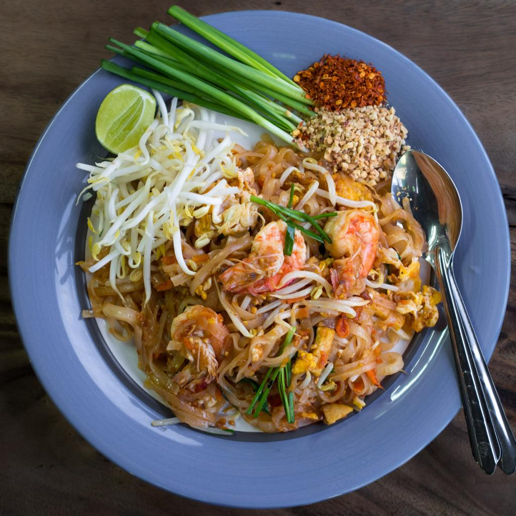 Пад Тай — рисовая лапша с морепродуктами. (Takeaway)
