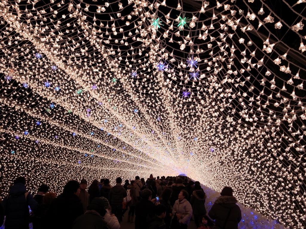 Япония. Кувана. Во время фестиваля света. (bizmac)