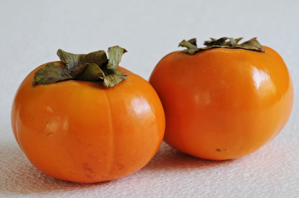 Хурма. Плод содержит витамины А, B1, B2,  С, Е, РР а также микроэлементы — железо, калий, кальций, магний, натрий, фосфор. (Koshy Koshy)