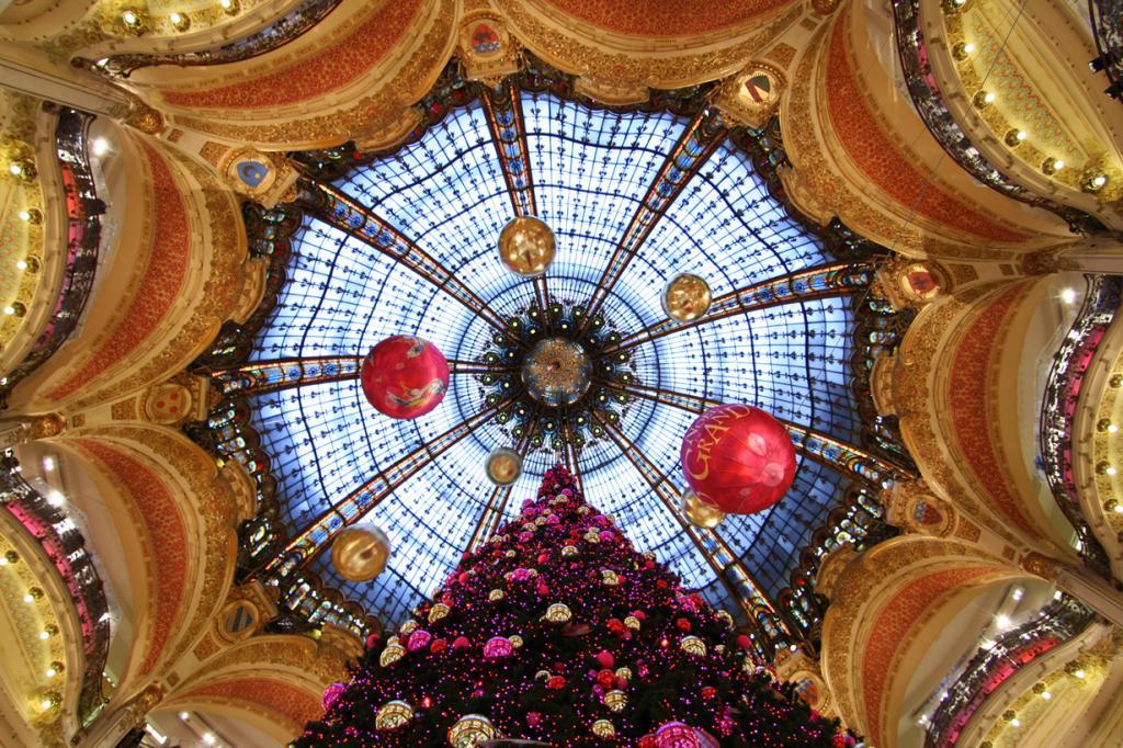 Франция. Париж. Рождественское время. (spacejulien)