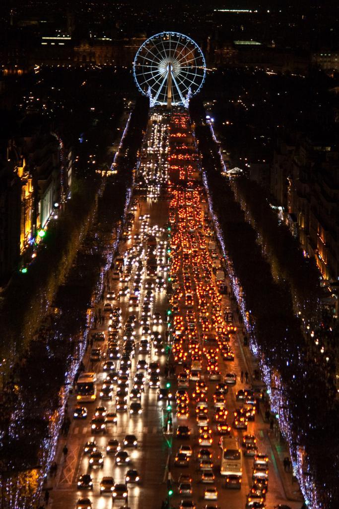 Франция. Париж. Рождественское время. (Alvaro)