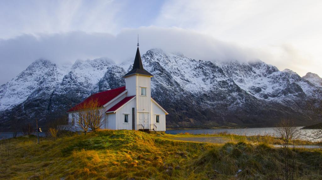 Норвегия. Лофотенские острова. (Trond Kristiansen)