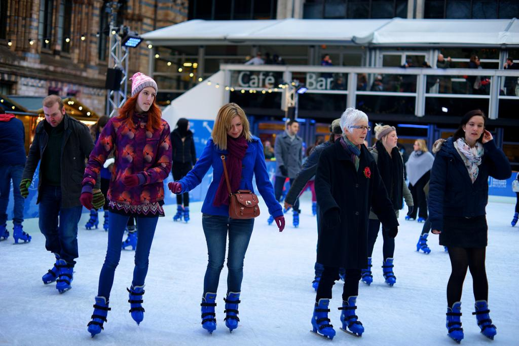 Катание на коньках. (Paul Hudson)