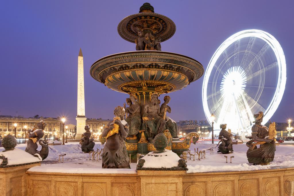 Франция. Париж. Рождественское время. (Pierre-Louis FERRER)