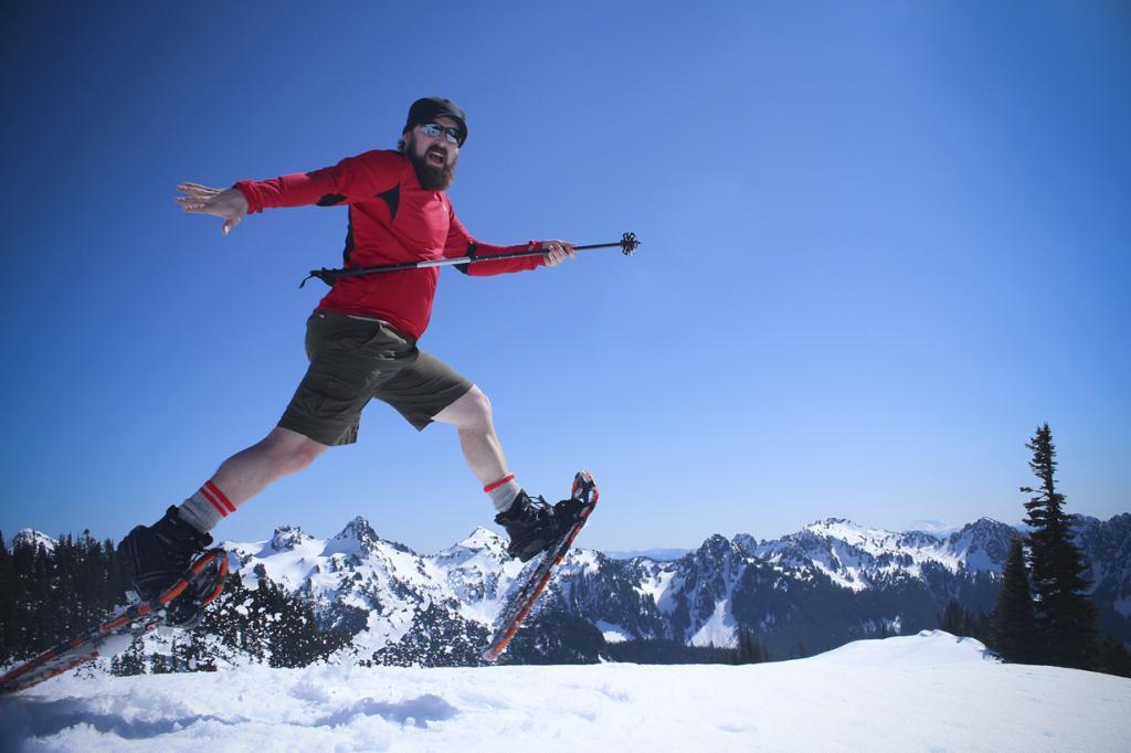 Прогулка в снегоступах. (Nickay3111)