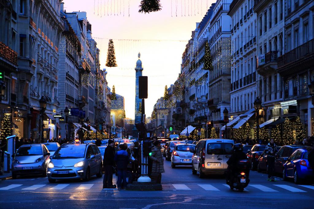 Франция. Париж. Рождественское время. (Shinichiro Hamazaki)