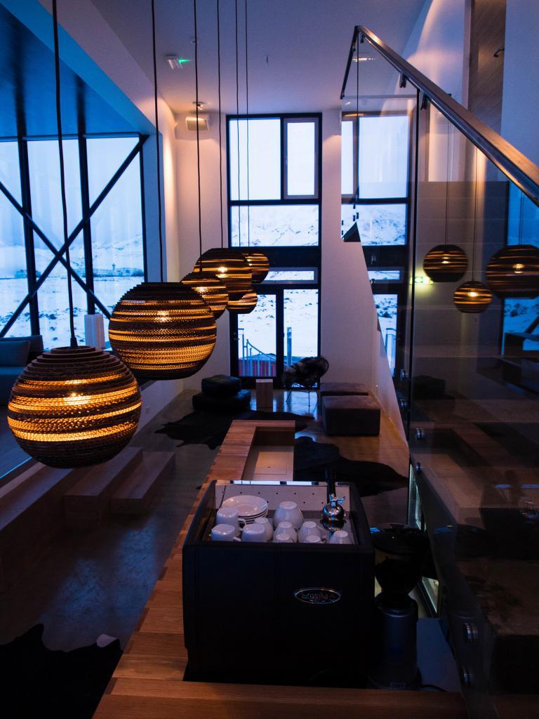 Внутренний интерьер бара. (asparagus6000)