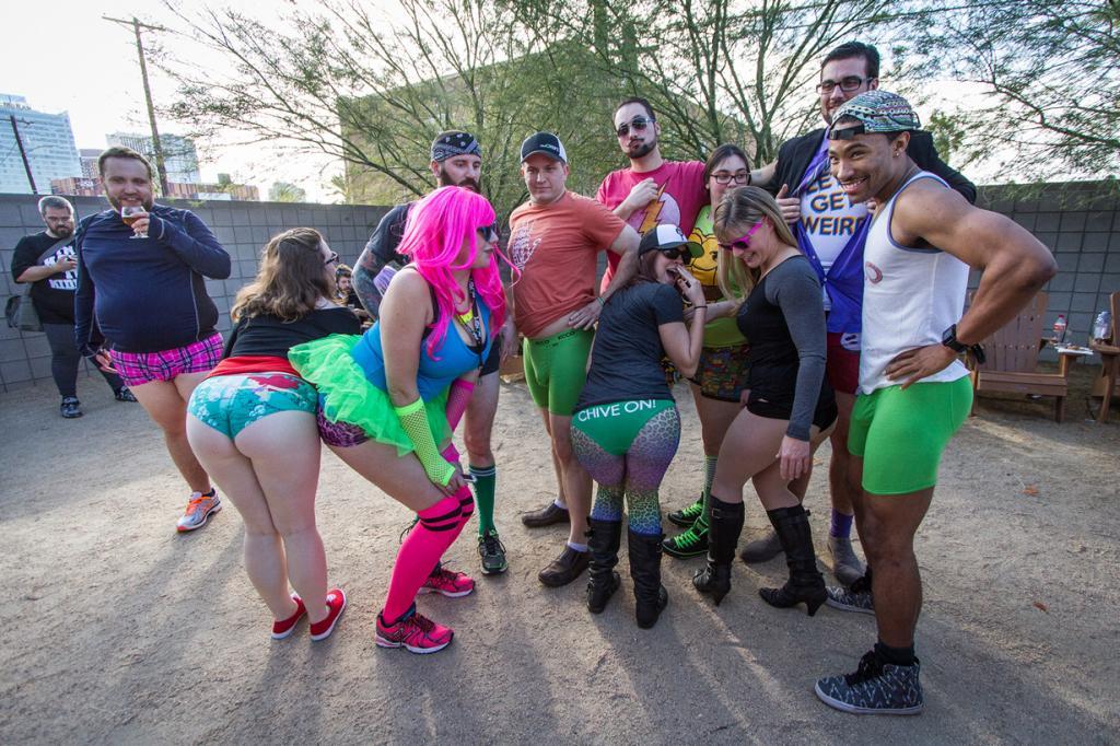 США. Финикс, Аризона. Во время флешмоба «В метро без штанов». (Devon Christopher Adams)