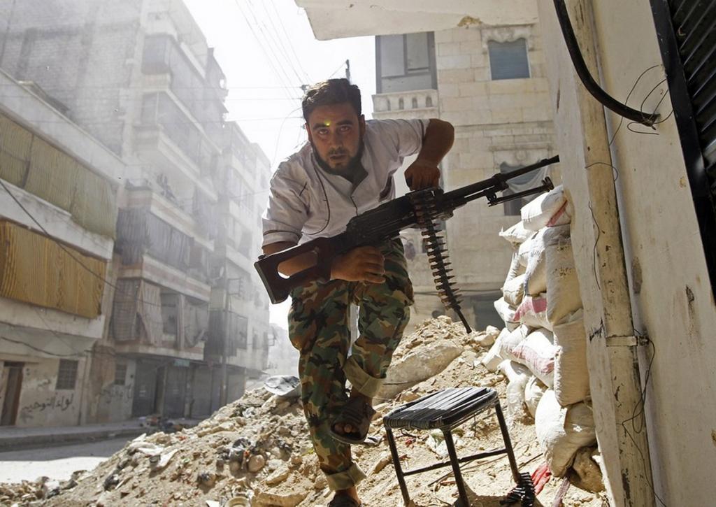 Сирия. Вооружённый конфликт продолжается с 15 марта 2011 года. Противостояние ведётся между правительственными войсками и повстанцами. (abdullatif anis)