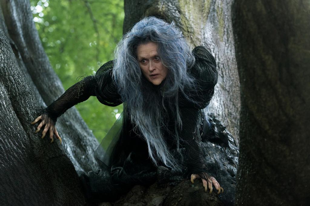 Номинант на премию «Лучшая женская роль второго плана» Мерил Стрип. Американская актриса, сыгравшая ведьму в фильме «Чем дальше в лес». (Кадр из фильма)