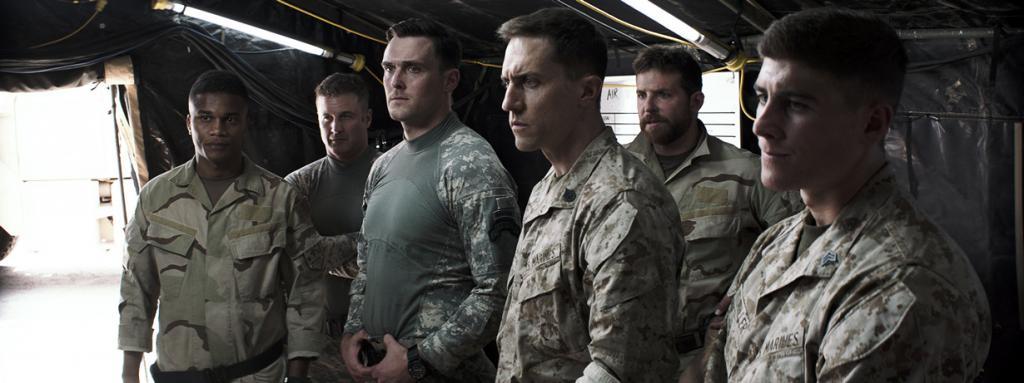 Историческая драма «Американский снайпер» режиссёра Клинта Иствуда. Номинирован в шести категориях: «Лучший фильм года», «Лучшая мужская роль», «Лучший адаптированный сценарий», «Лучший монтаж», «Лучший звук», «Лучший звуковой монтаж». (Кадр из фильма)