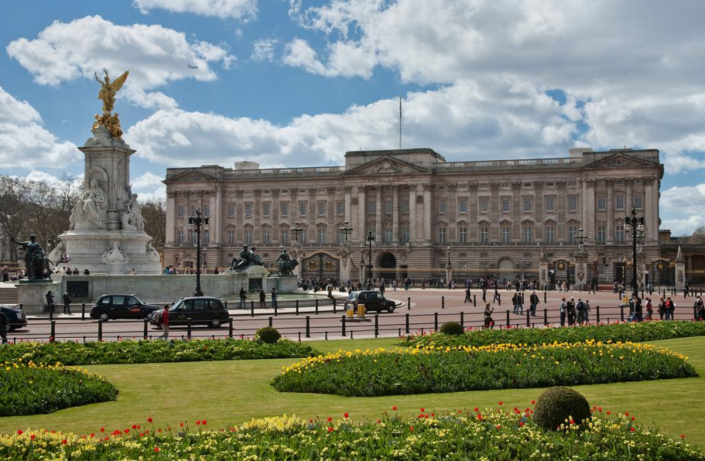 Великобритания. Лондон. Букингемский дворец является официальной резиденцией Елизаветы II. (Diliff)