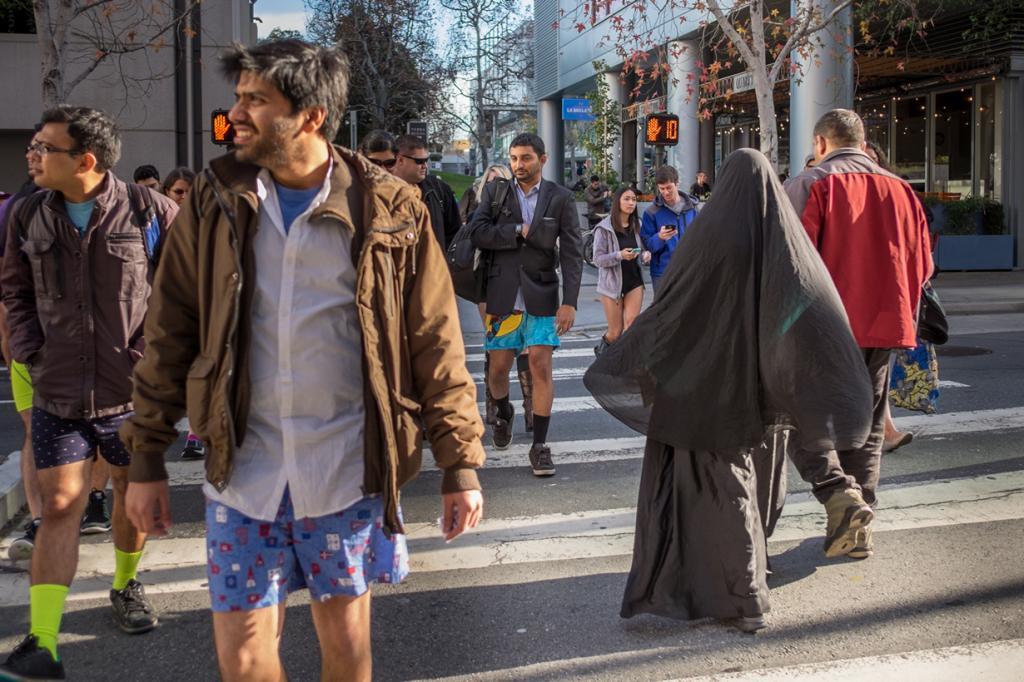 США. Сан-Франциско, Калифорния. Во время флешмоба «В метро без штанов». (Bhautik Joshi)