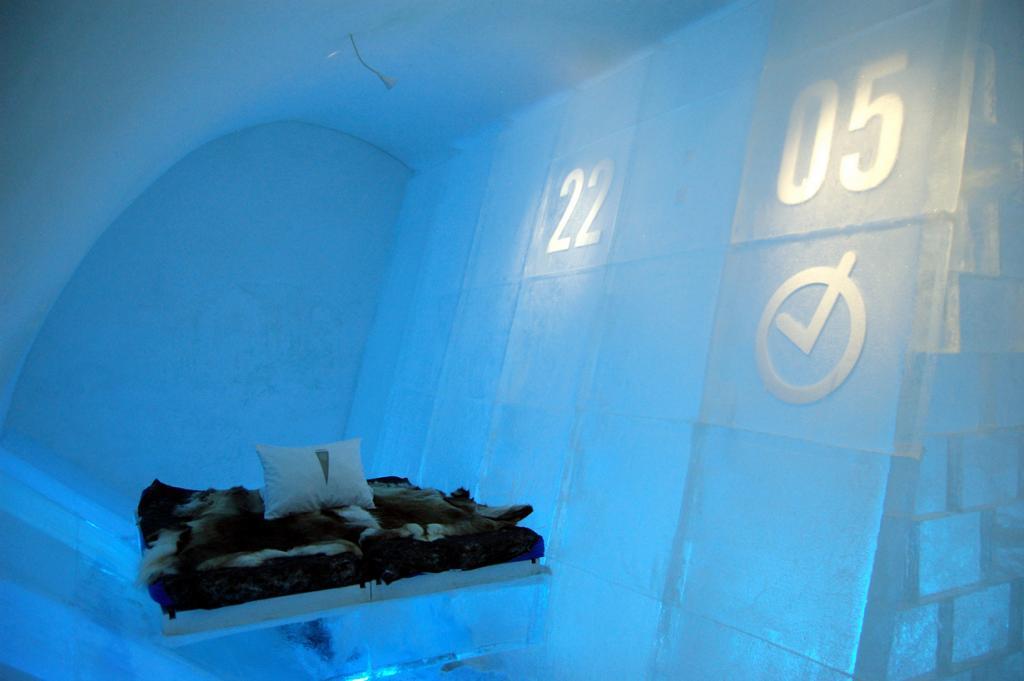 Швеция. Юккасъярви. Отель Icehotel. (bjaglin)