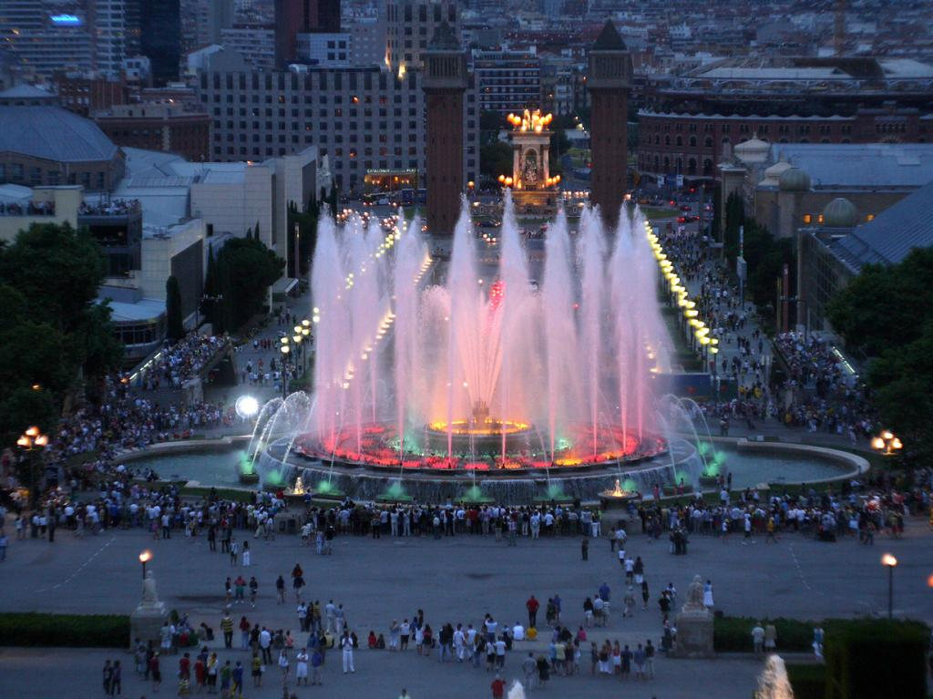 Испания. Барселона. Магический фонтан Монжуика. (Sean Murray)