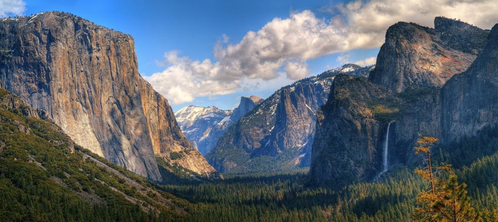 США. Национальный парк Йосемити, Калифорния. Вид на гору Эль-Капитан. (John Colby)